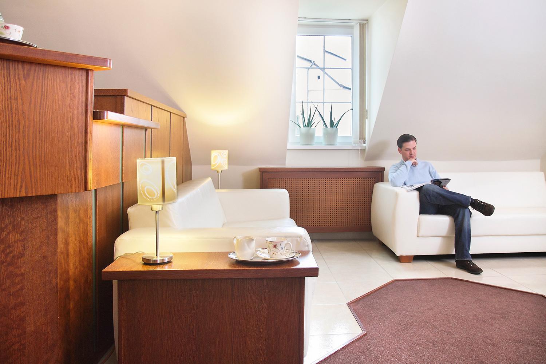 cabinet dentaire des soins dentaires des prix attractifs en hongrie. Black Bedroom Furniture Sets. Home Design Ideas